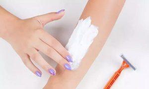 cách tẩy lông bằng kem đánh răng