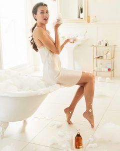 Sau khi triệt lông không nên tắm